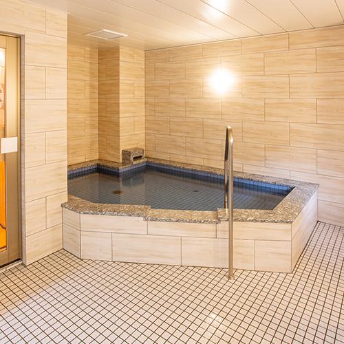 浴場、サウナ(男湯)ご利用時間(18:00〜23:00/6:00〜8:00)