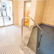 浴場(男湯)浴場、サウナ(男湯)ご利用時間(18:00~23:00/6:00~8:00)
