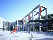 名古屋市美術館(徒歩5分)