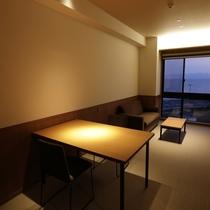 【スーペリアルーム】5階(最大定員3名)/51平米・リビングルーム