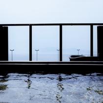 【大浴場 展望太閤温泉】内風呂の窓は全開して外の空気をたのしめる 【大浴場 展望太閤温泉】眺めのよい