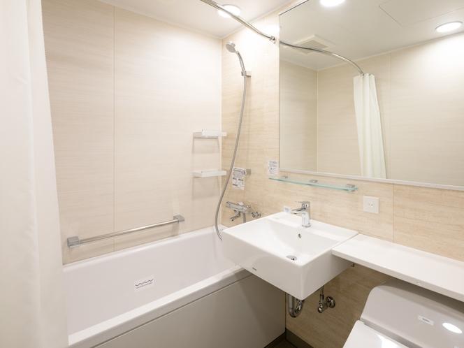 従来のコンフォートホテルよりも広々としたバスルーム