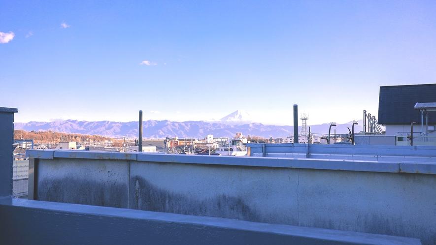 ・【シェアスペース】天気の良い日には屋上から富士山を望むことができます