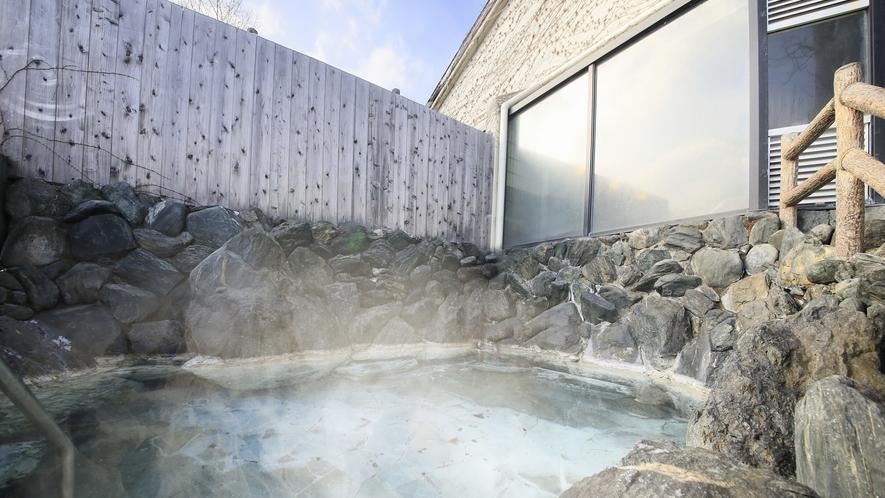 中禅寺湖の温泉かけ流し【露天風呂】
