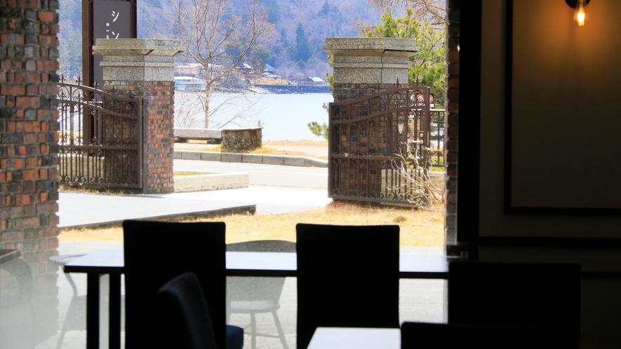 【レストラン】カウンターから眺める贅沢な時間*