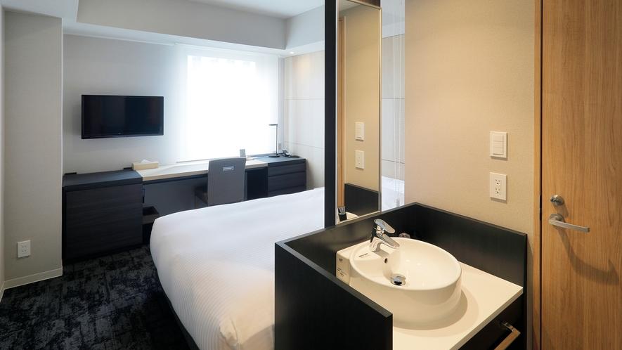 全客室に携帯充電器・空気清浄機完備 シングルルーム