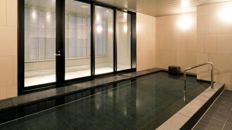 宿泊者専用男女別の大浴場を完備