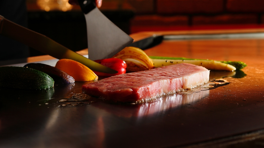 鉄板焼【銀杏】/五感で味わう極上のひととき