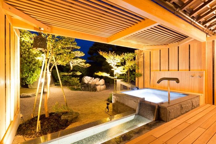 露天風呂付き客室 源泉掛け流し露天風呂