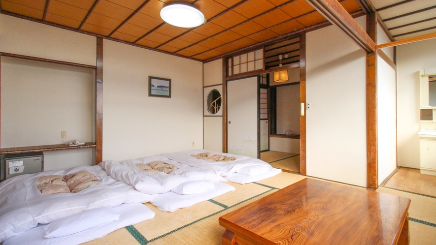 *【ペットOK★別館3階・和室15畳一例】広めの客室は、ワンちゃんと一緒に過ごすのに快適な空間です