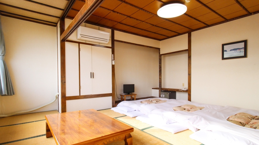 *【ペットOK★別館3階・和室15畳一例】お部屋や季節によって草木が視界に入り海が見えにくい場合があ