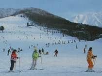 スキー場のゲレンデ風景
