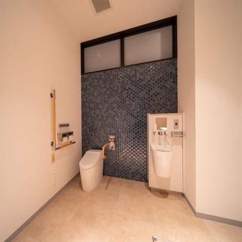 1階に共用トイレのご用意がございます。