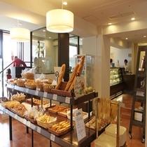 プラート 店内 ホテルメイドのパン・ケーキ