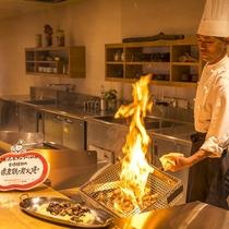 一木一草 オープンキッチン 鶏炭火焼