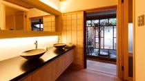洗面台とお庭