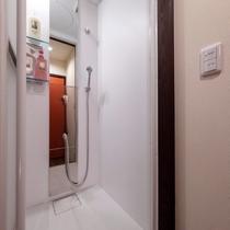 二階シャワールーム