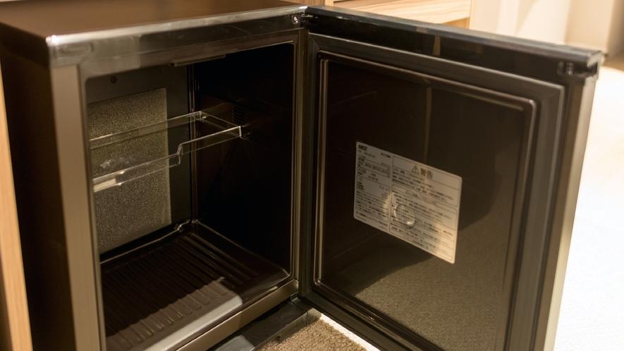 客室備品【冷蔵庫】