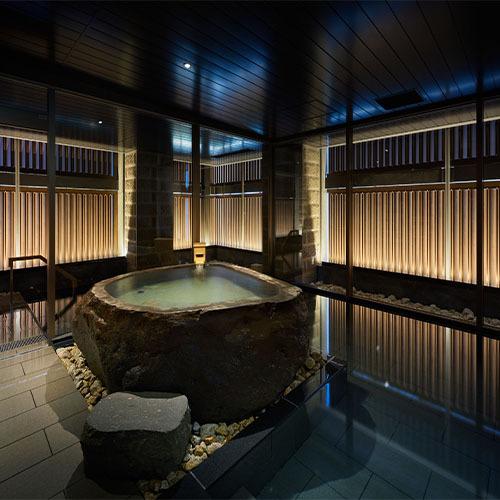 カルルス温泉源泉の大浴場