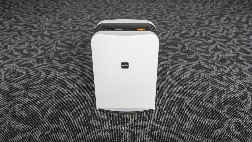 お部屋には2種類の空気清浄機を設置