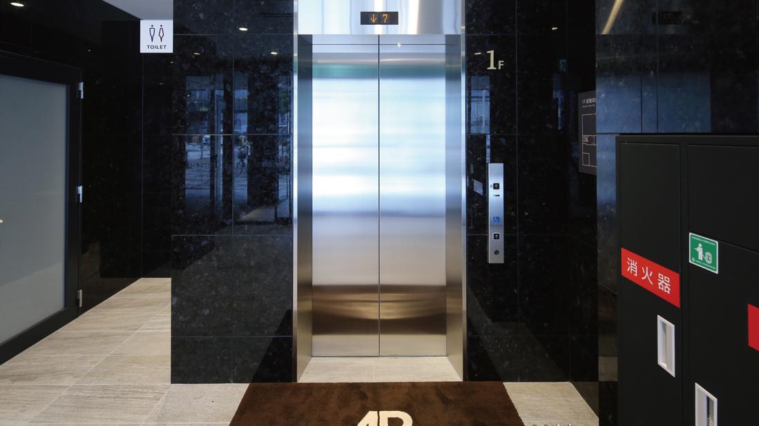 【1階エレベーター】