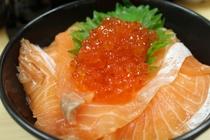 豪華な海鮮のっけ盛丼が朝食で食べ放題!