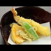 季節の天ぷらです。