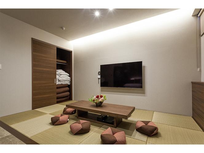 琉球ファミリースイート 琉球畳の和室に「おじゃみ座布団」を配置