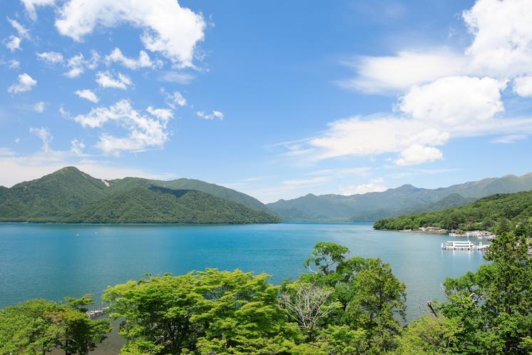 中禅寺湖ビュー・スイートからの景色