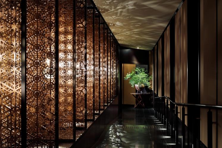 日本料理レストランまでの廊下