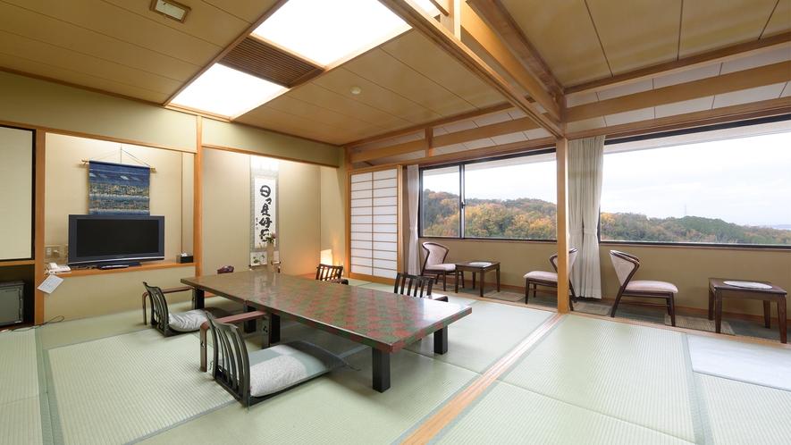*【景色の見える山側の部屋】生駒山系から平群平野が望める落ち着いた雰囲気の純和風客室です。