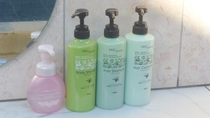 *【グランピング専用温泉露天風呂】シャンプー・リンス・ボディーソープ・洗顔フォームを完備しています。