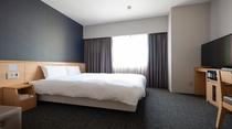 ◆クイーンルーム◆約18㎡ シモンズ社製ベッド(160×195センチ)×1台・TV32インチ・禁煙
