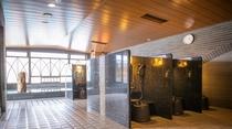【天然温泉大浴場・男子】洗い場 (カラン数:13個)