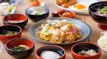 【朝食】◆ご当地『皿うどん』と小鉢◆