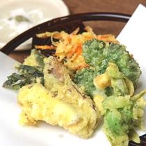 夕食一例◆山菜天ぷら