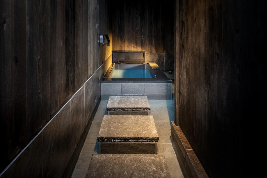 客室MIZU 半露天風呂