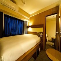 客室:コネクティングルーム 140cmダブルベッド ×2室