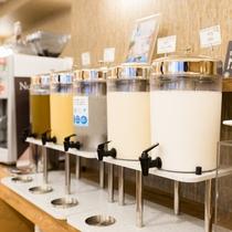 朝食:フリードリンク 豆乳・牛乳・コーヒー・オレンジジュースなどなど