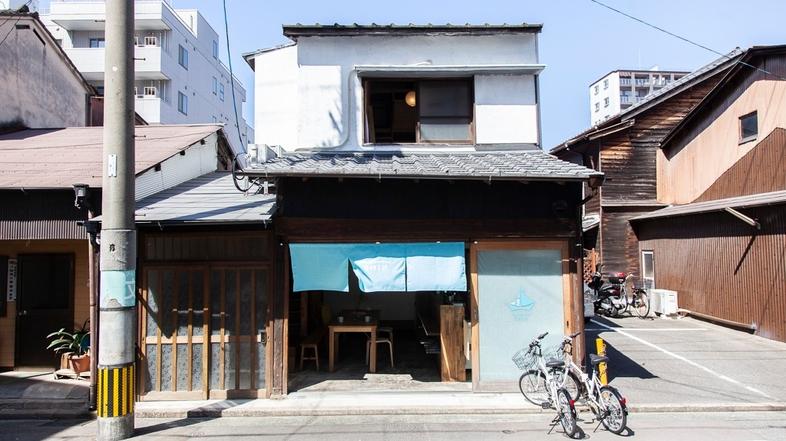 Fukuoka Guesthouse SHIP