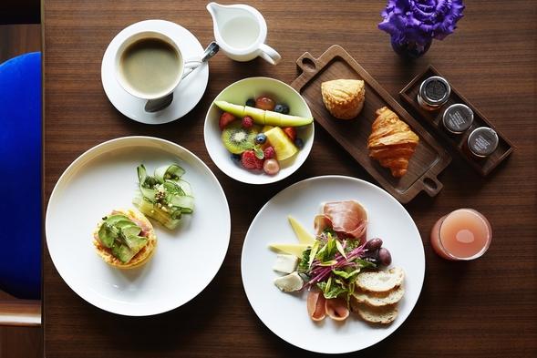 【こだわりの朝食付】超高層階から東京の街を一望できるThe Blue Roomで優雅な朝を(朝食付)