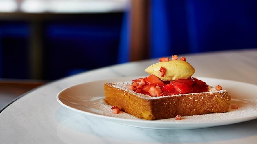 The Blue Room 料理の一例「ブリオッシュのトースト」
