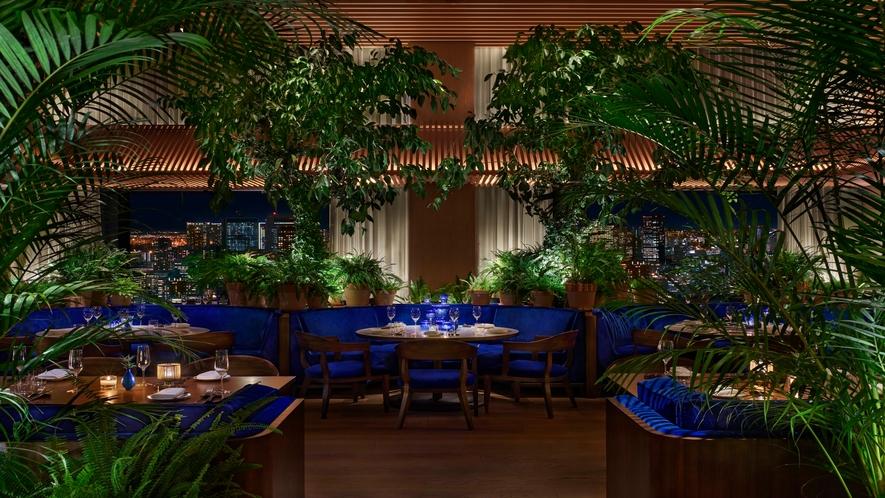 The Blue Room 洗練された空間で朝食・ランチ・ディナーをお楽しみいただけます。