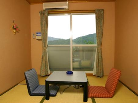 【新館】和室6畳(バス・トイレ付)