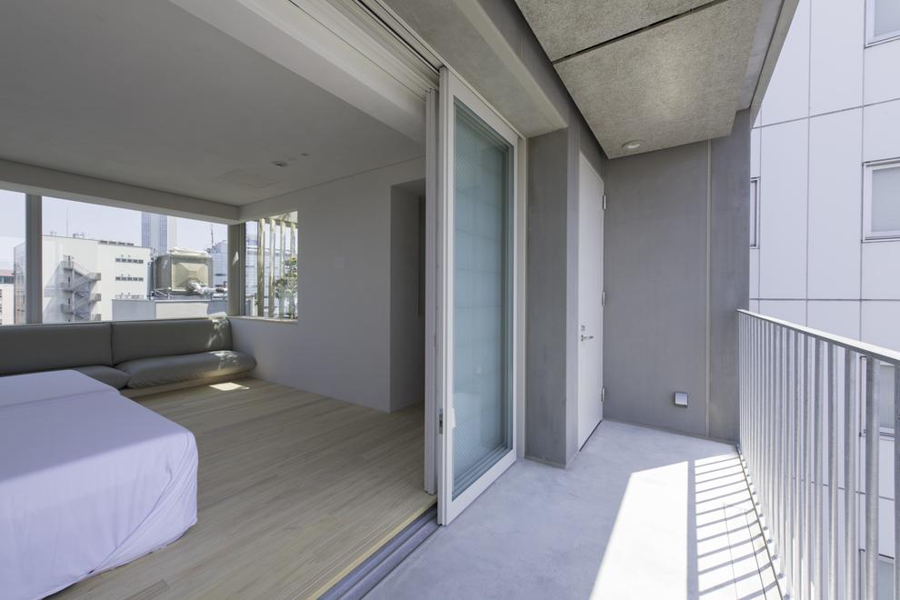 『1002号室』ペントハウス(グランピング無し)は大きく開放出る出入り口を採用。