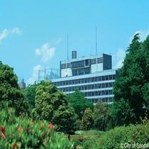 ◇仙台市役所。徒歩10分程度で県庁のすぐ近くになります。