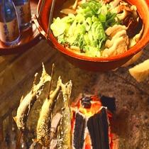囲炉裏で焼く鮎は絶品