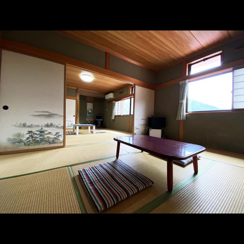 (春〜秋)二間続きのお部屋。ゆったりお過ごしください。
