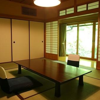 10畳+8畳(和・洋)+リビング A棟(1階) 「柚子」