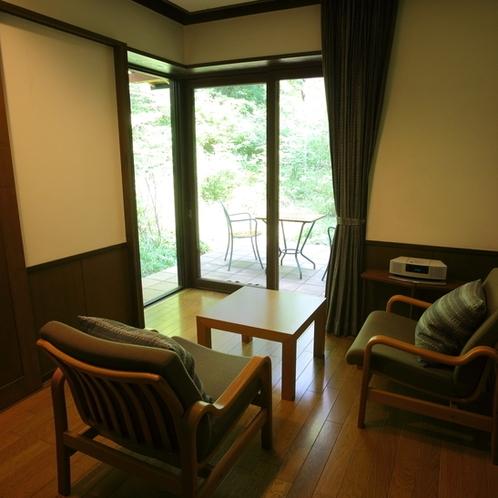 ●10畳+8畳(和・洋)+リビング A棟(1階) 「柚子」